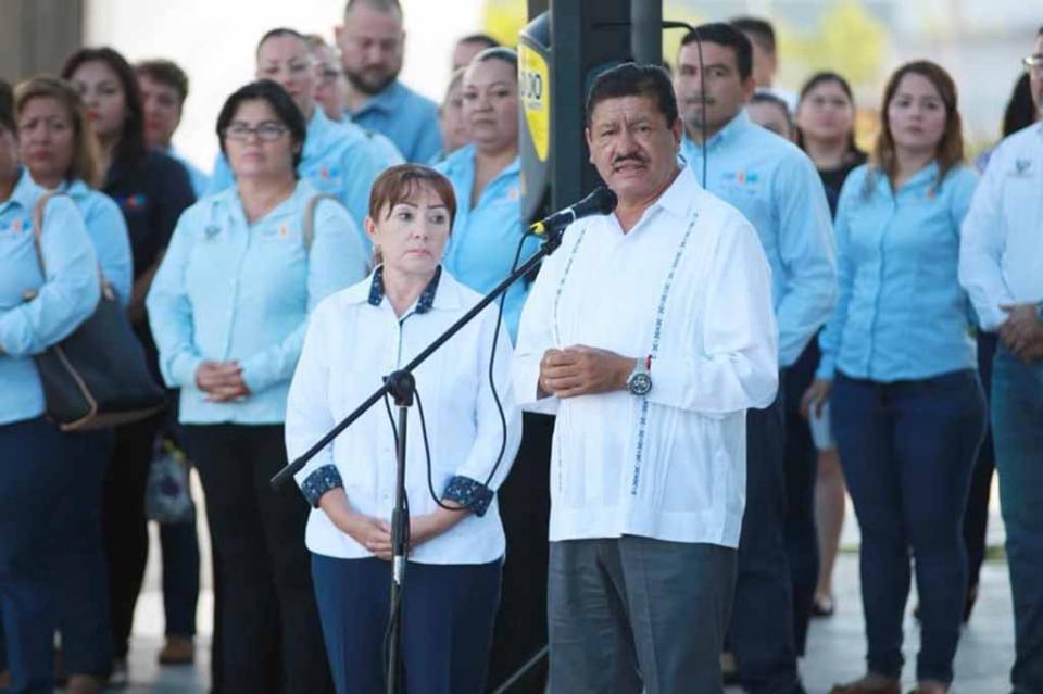 Alcalde de La paz reconoce labor de trabajadores municipales
