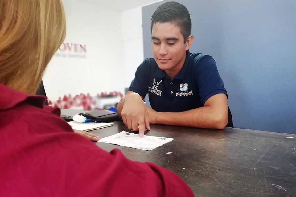 """Jóvenes se benefician mediante el programa """"transición escuela – trabajo"""""""