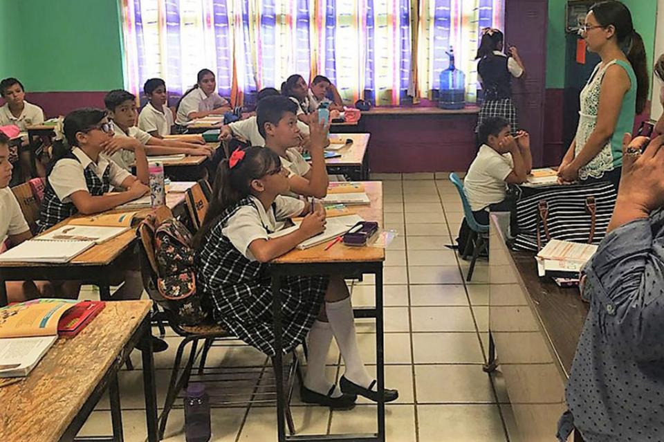 Imparte ISMUJERES pláticas sobre violencia de género en el entorno escolar