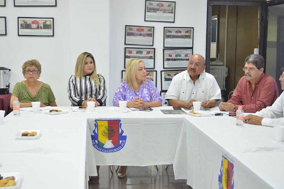 Solicitan mejorar prestaciones de trabajadores de la educación jubilados y pensionados