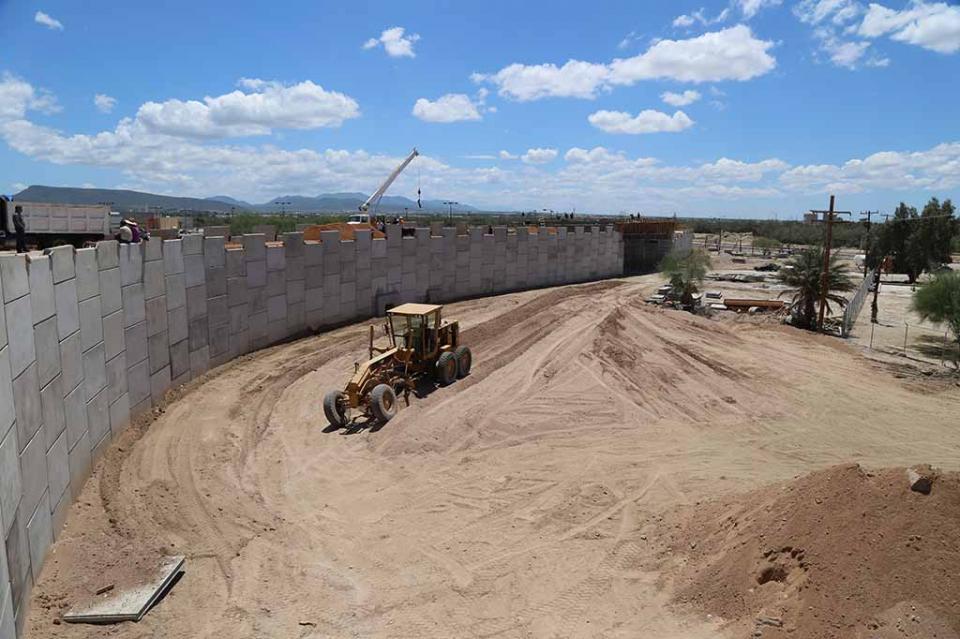 Avanza construcción del puente Cola de Ballena