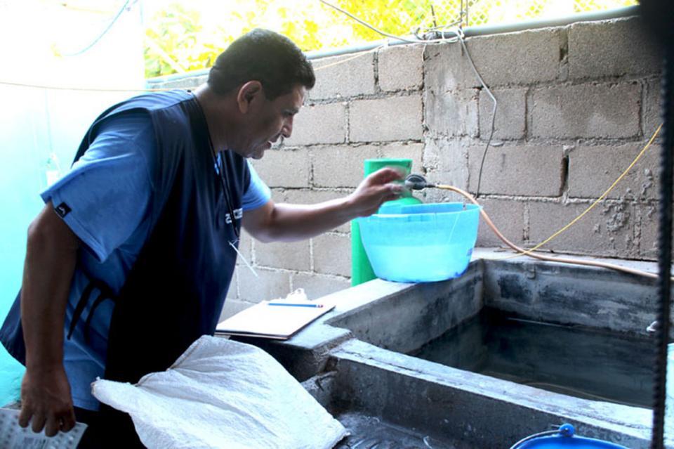 Llama salud a la población para eliminar criaderos de mosco generados por lluvias