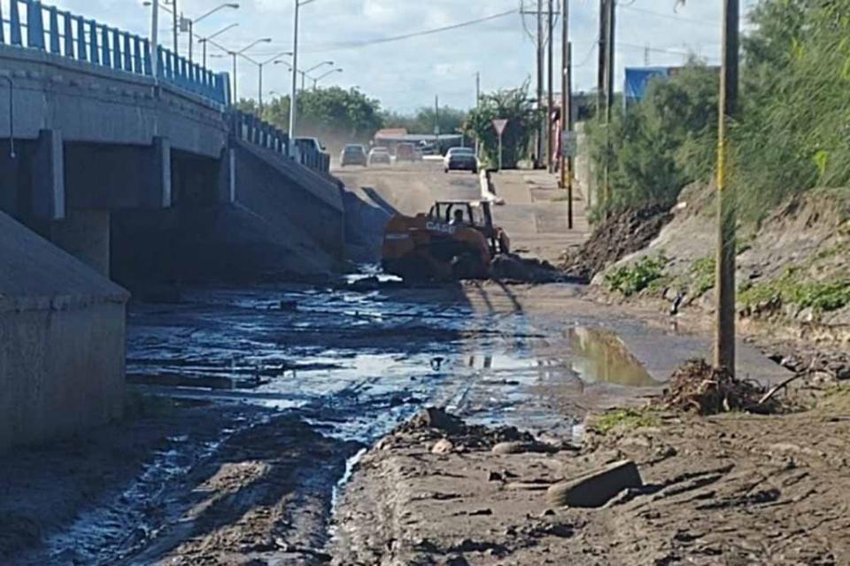 Fuertes lluvias de fin de semana, ocasionan caos vial en La Paz