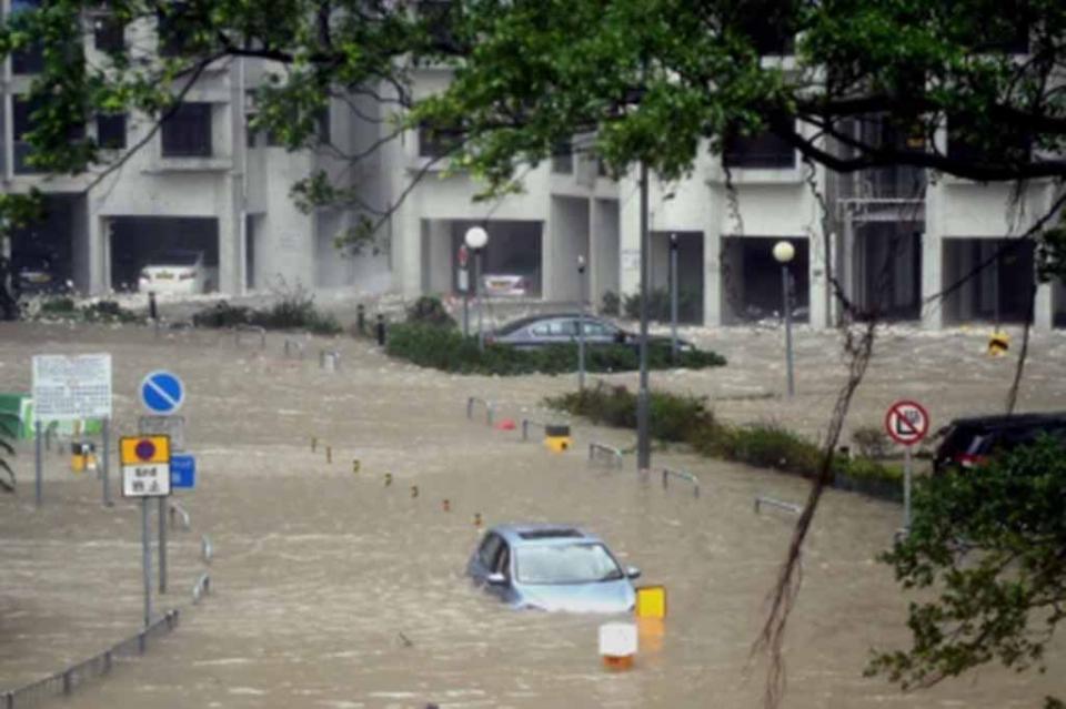 Hong Kong se recupera del más fuerte tifón de que tenga registro