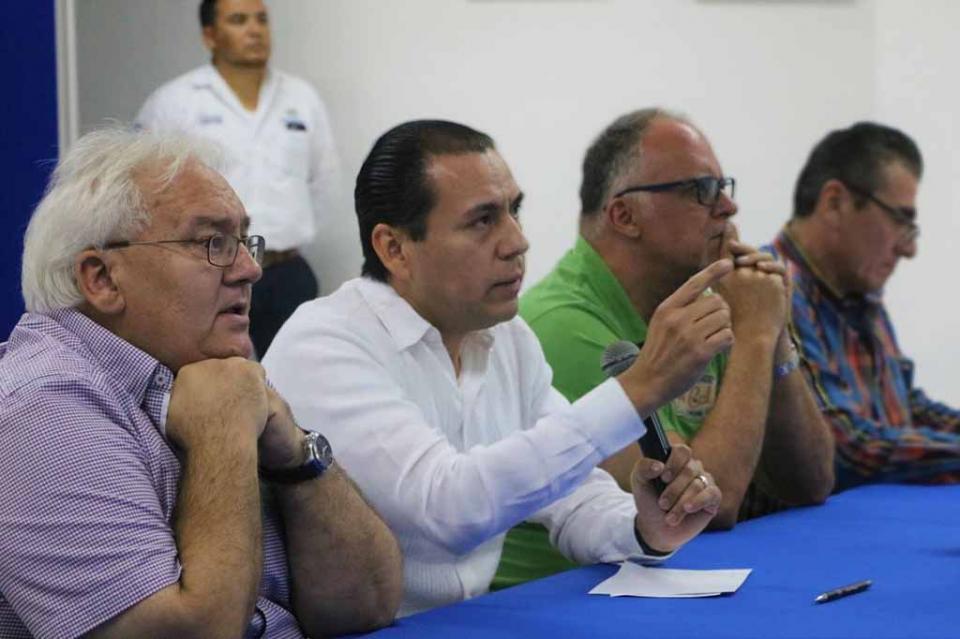 Comparte Procurador avances y retos en procuración de justicia ante Canaco Los Cabos