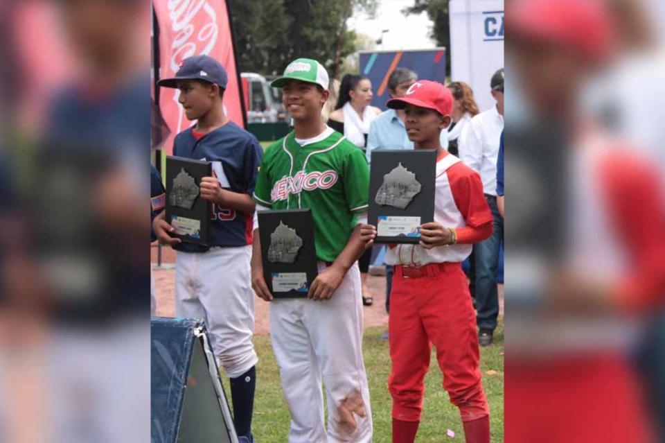 Ricardo Orozco campeón jonronero y equipo ideal