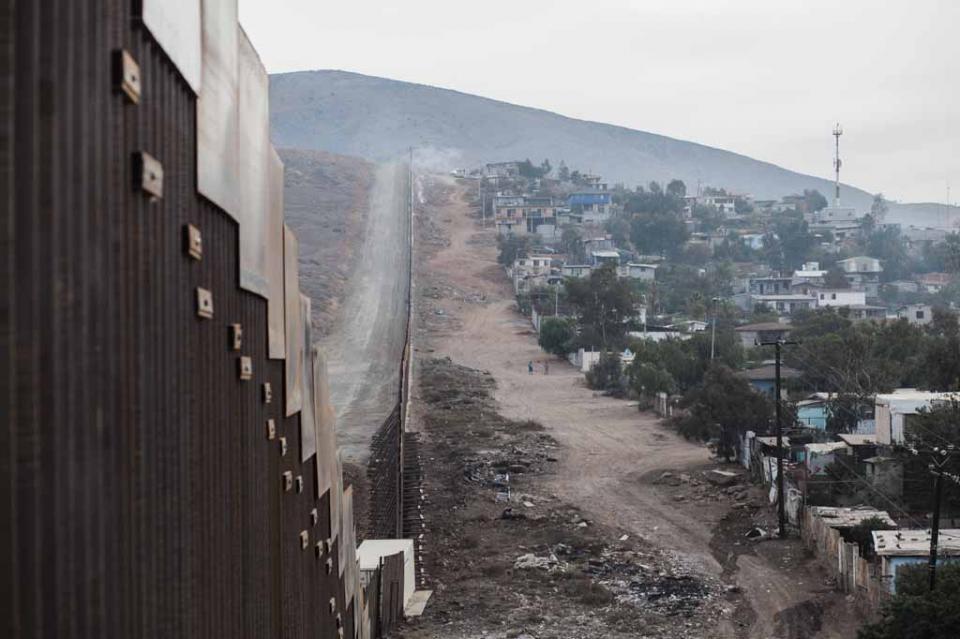 EUA desplegaría más tropas en frontera con México que en Irak y Siria