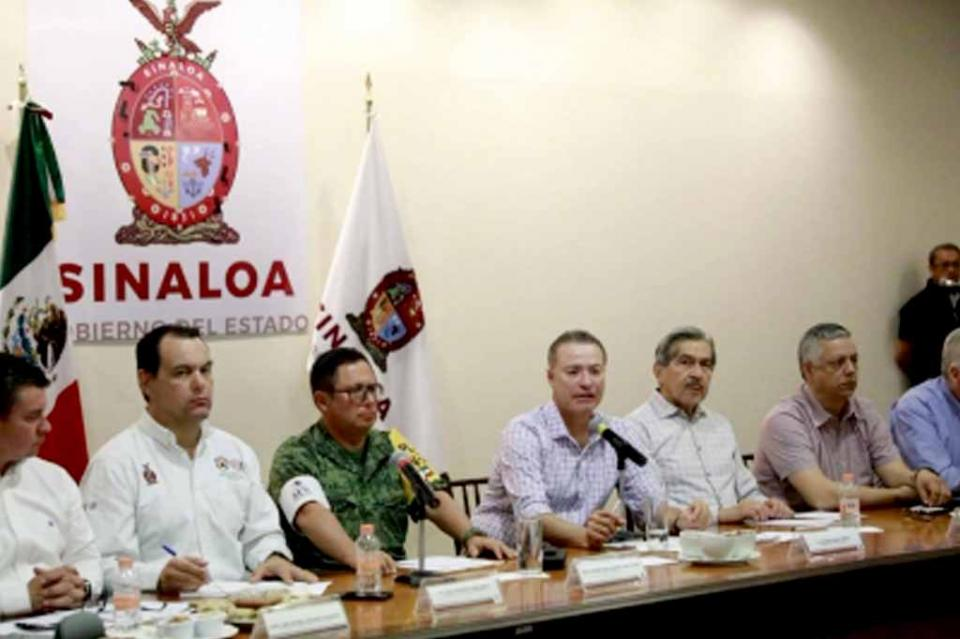 Llama Quirino Ordaz a tomar precauciones ante posible impacto de Willa