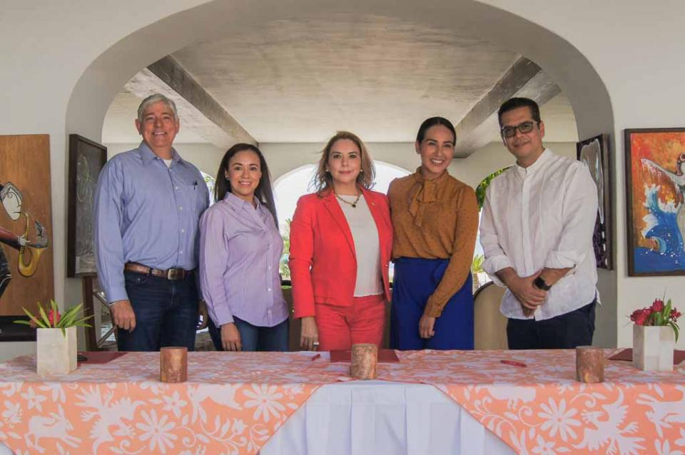 Alumnos de BCS se benefician con acuerdo entre Hoteles Questro y UGC