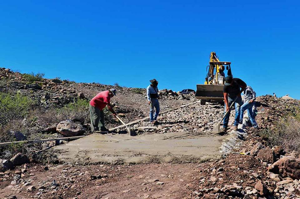 Cumplen 85 años de compromiso con BCS trabajadores de la junta estatal de caminos
