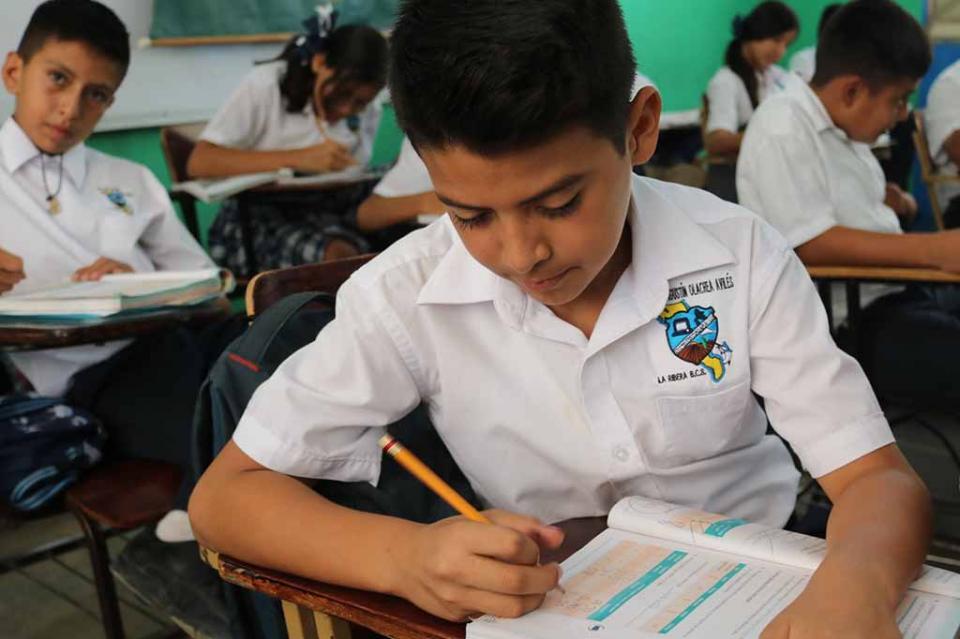 BCS primera entidad del país en aplicar evaluación de condiciones básicas para el aprendizaje en secundaria: SEP