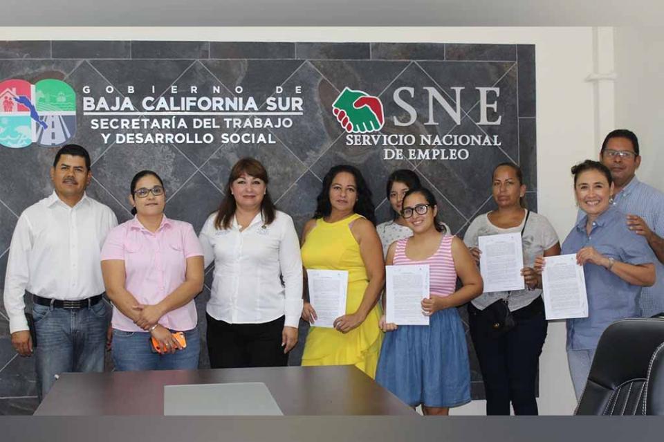 Entregan apoyos a 7 nuevas empresas en La Paz del programa de fomento al autoempleo