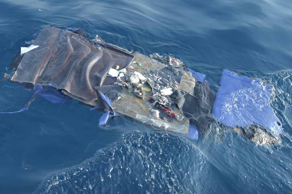 Avión indonesio con 188 personas a bordo se estrella en el mar