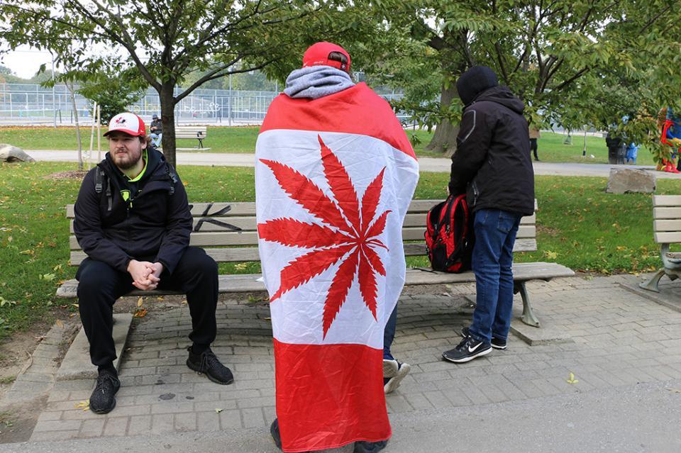 Consumidores de marihuana en Canadá dicen que abandonarán mercado ilegal