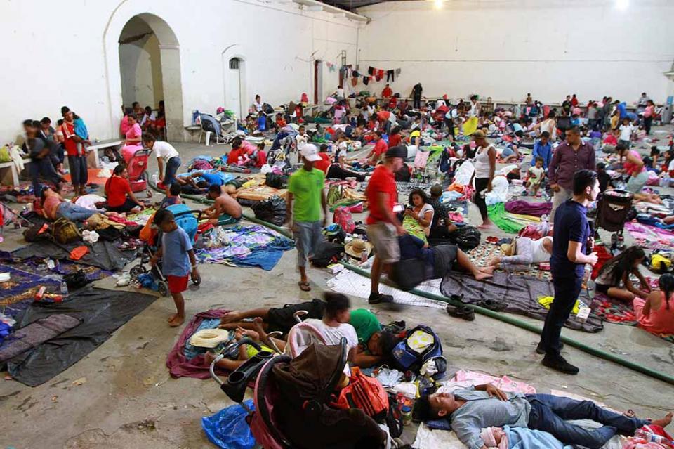 Caravana se instala en Niltepec; va hacia Juchitán este martes