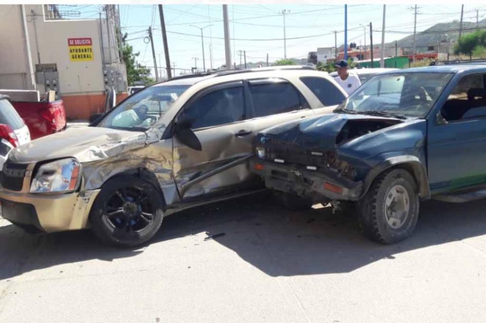 Mujer sale lesionada en choque automovilístico en CSL
