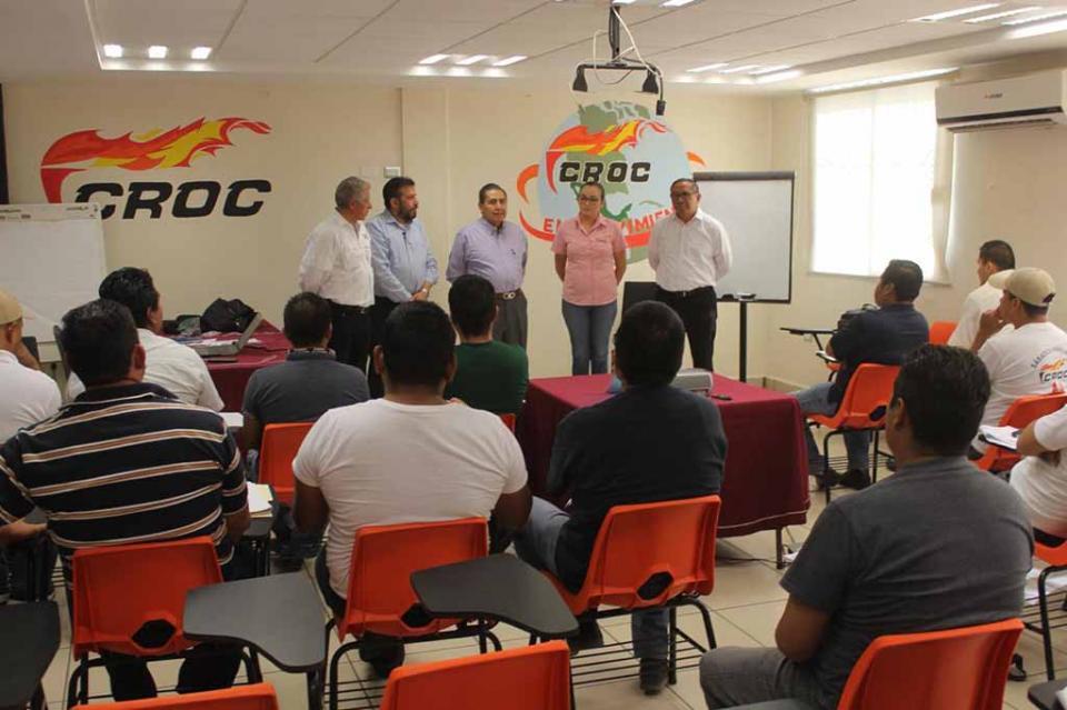 En coordinación con el CENAPED la CROC certifica a sus trabajadores en operación de cuartos de hotel