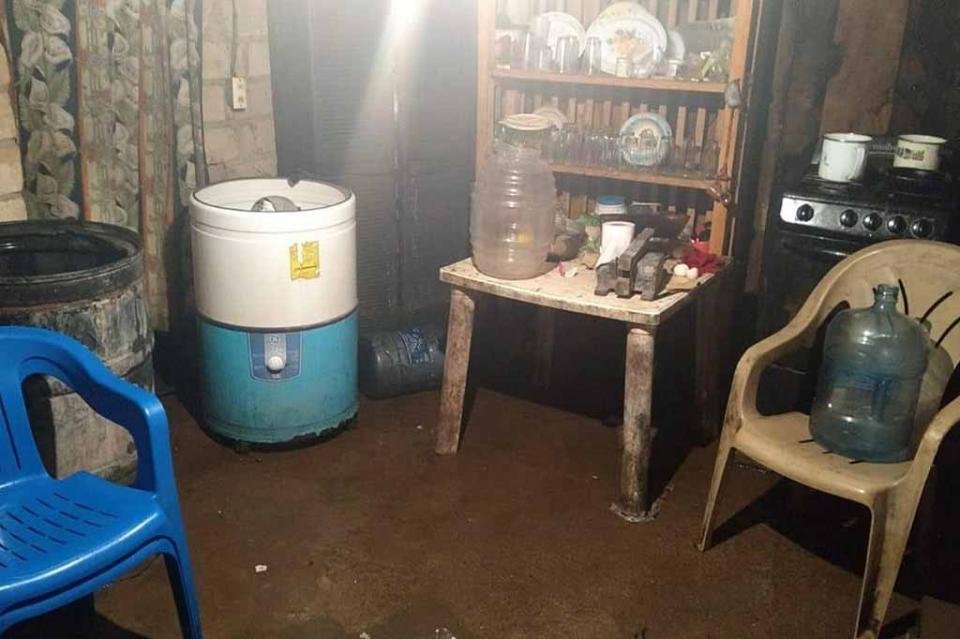 Reportan inundación de 10 viviendas en Punta Perula por alto oleaje