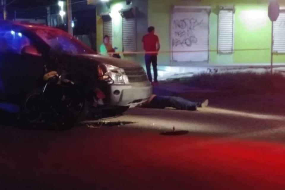 Atropellan a pareja de motociclistas y resultan lesionados en La Paz