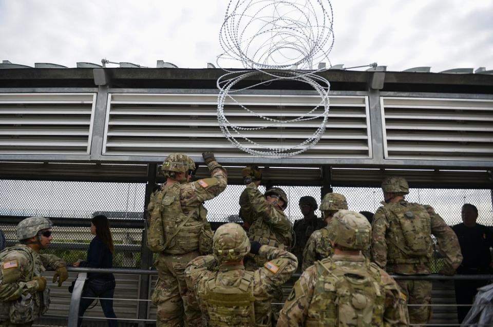 Preocupa a Ejército de EUA presencia de milicias en frontera con México