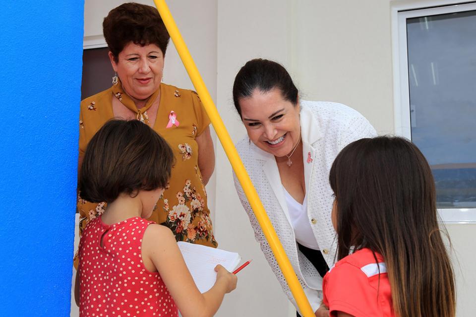 """De la mano DIF Los Cabos y biblioteca infantil """"abrapalabra"""" por los niños de casa hogar"""