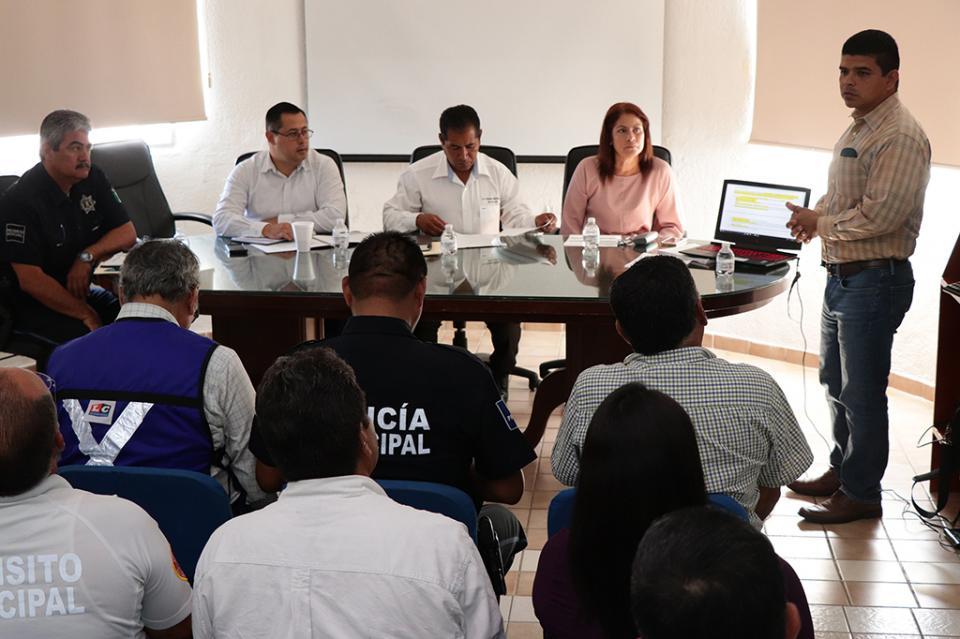 Delegación de CSL, continúa con la atención del fraccionamiento Hojazen