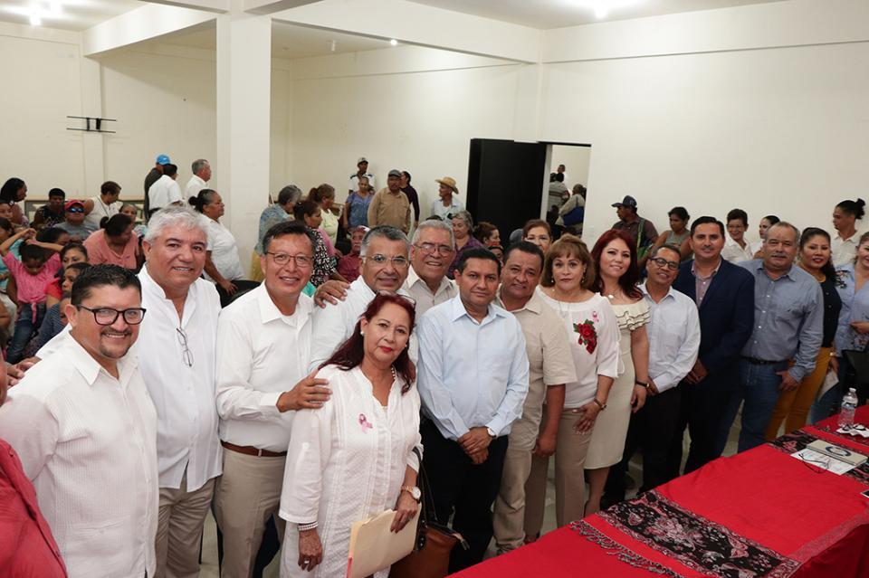 """Toma protesta asociación civil manos abiertas para ayudar """"Somos Tu Voz"""""""