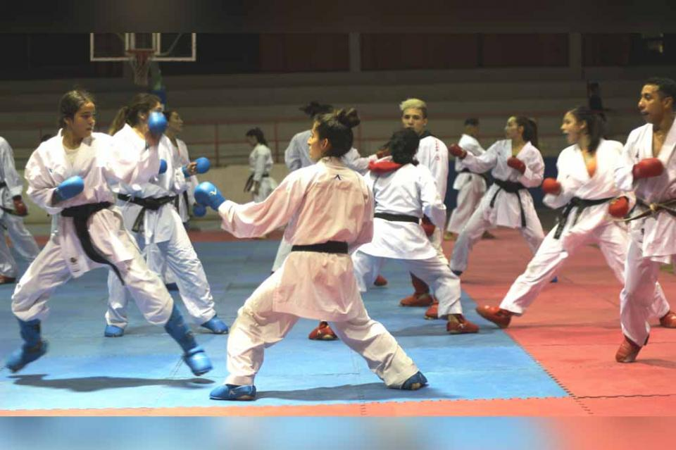 Agradecen karatecas recepción en La Paz