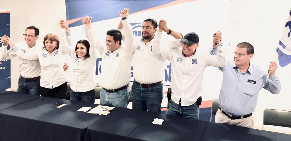 Gana Marko Cortés y Carlos Rochín en Los Cabos