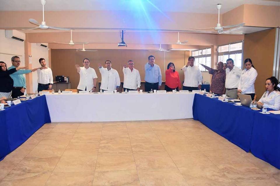 Integra el ICATEBCS el Comité de Vinculación entre los sectores público y privado