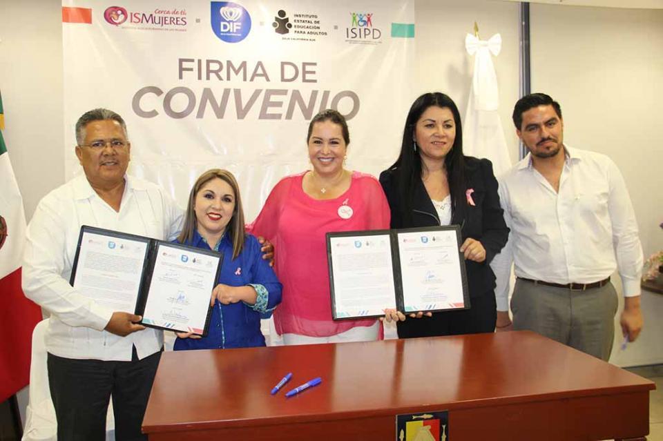 Firman convenio de colaboración institucional SEDIF, IEEA, ISIPD y ISMUJERES