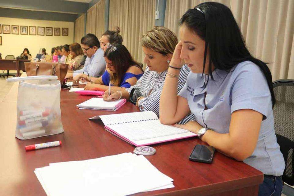 Impulso prioritario a la capacitación docente mejora resultados educativos de BCS: SEP