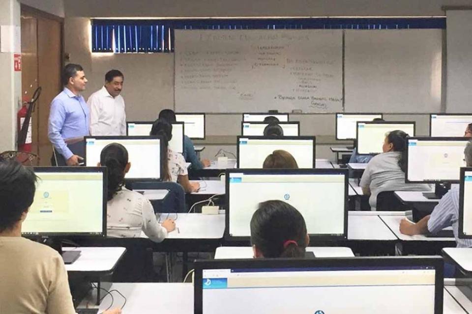 Presentarán la próxima semana examen al desempeño 400 docentes de BCS: SEP
