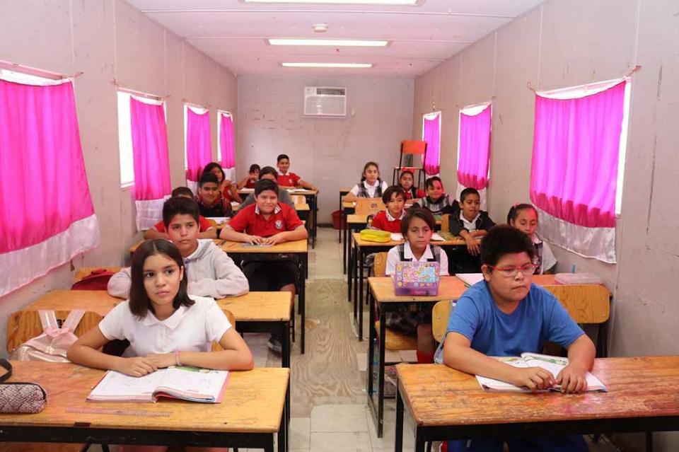 Operan 44 aulas móviles para atender la demanda educativa en BCS