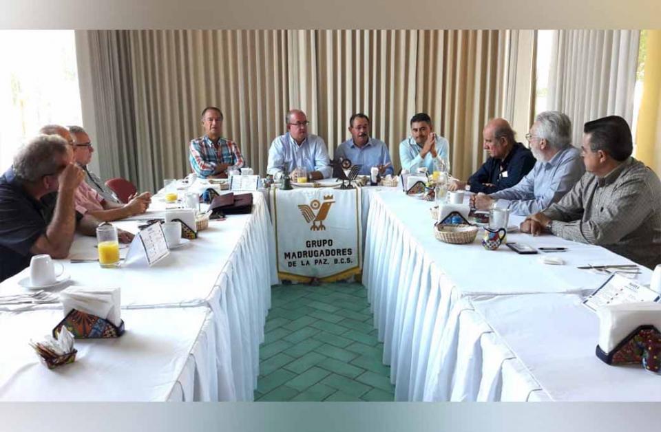 Socializa gobierno del estado Ley de Movilidad con Grupo Madrugadores de La Paz