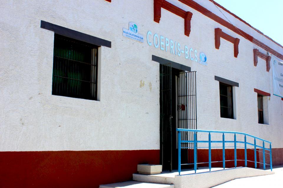Federación reconoce a COEPRIS BCS por su trabajo de farmacovigilancia