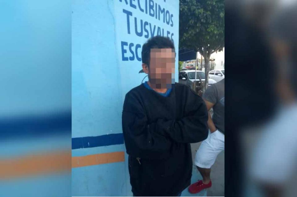 Detienen a exhibicionista afuera de la Técnica 17 en La Paz
