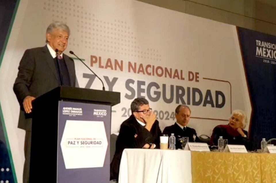 Enfoque de seguridad será muy diferente a gobiernos anteriores: López Obrador