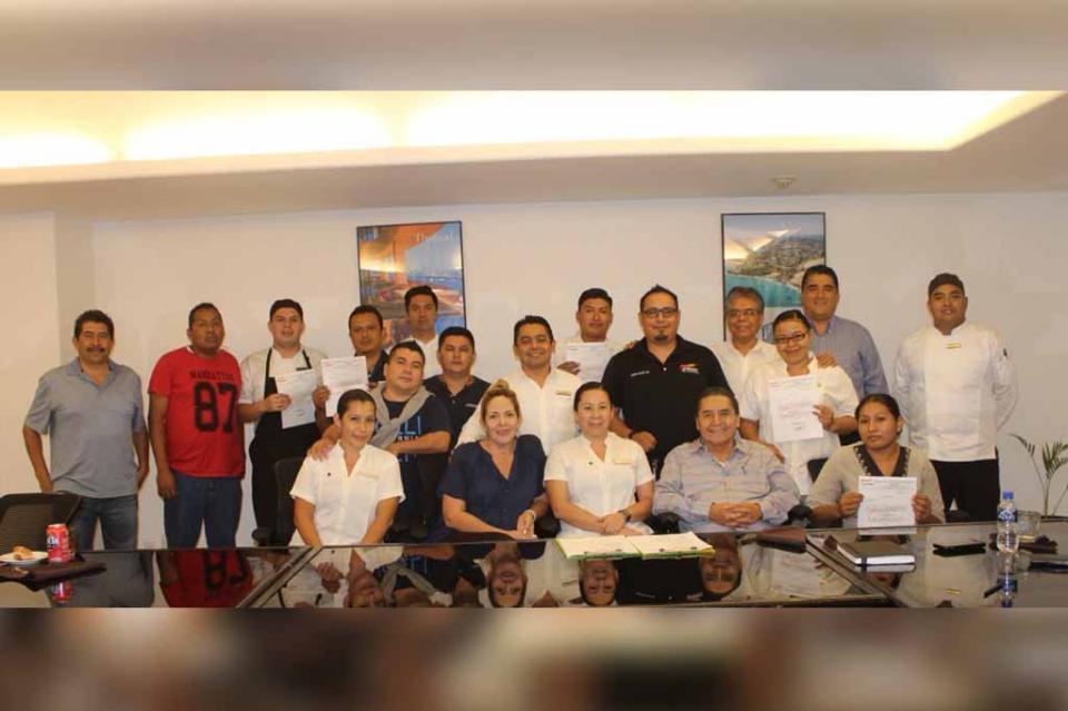 Con transparencia y democracia sindical, trabajadores de la CROC elijen a la Comisión Revisora de Propinas en hoteles