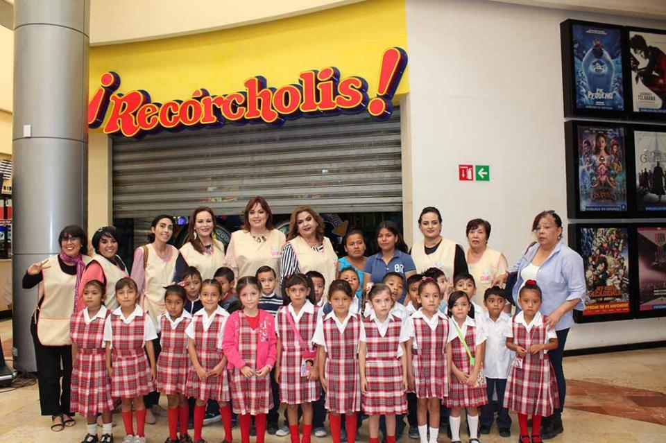 Recórcholis y DIF Municipal regalan una mañana de diversión a niños