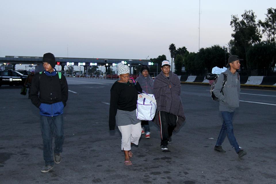Comienzan a salir contingentes migrantes de Querétaro