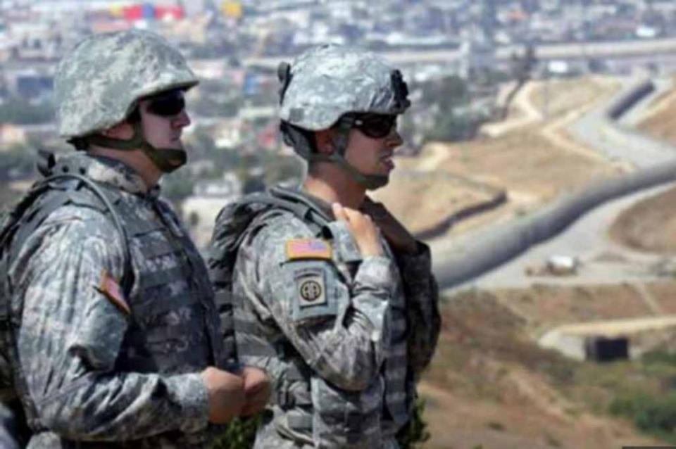 Informan a sur de Texas sobre despliegue militar por caravana inmigrante