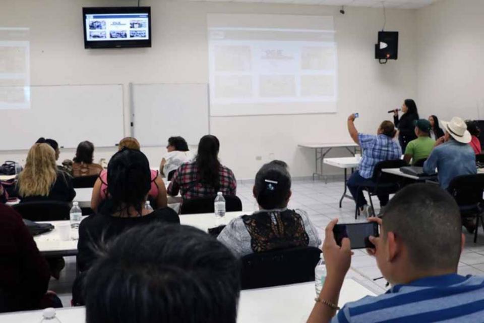 Dirigentes de colonias de La Paz se capacitan en tema de Justicia Alternativa