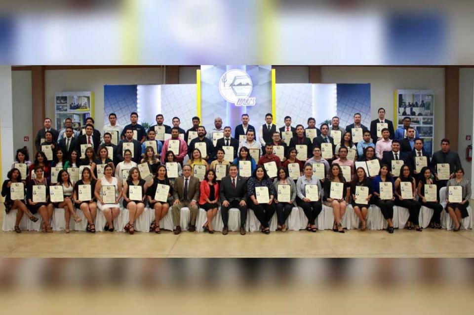 116 egresados de la UABCS obtuvieron su título profesional