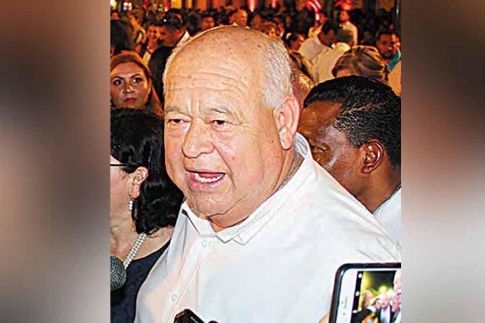 Reconoce Víctor Castro a gobernadores como máxima autoridad de los estados