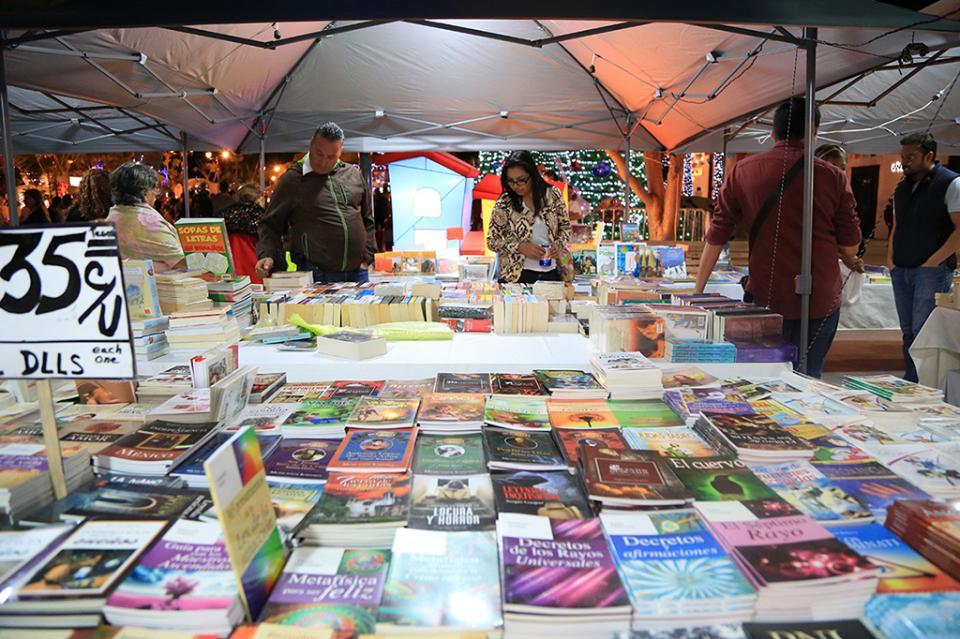 Con éxito se realiza la Feria del Libro en SJC