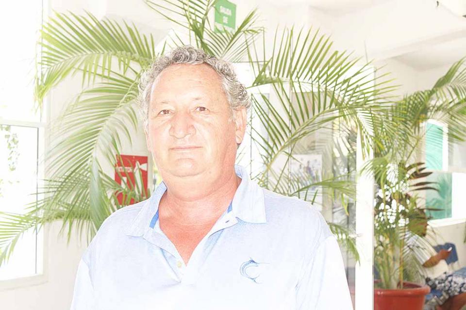 Necesario buscar alternativas que impidan sobreexplotación de los recursos e instalación de proyectos mineros: Carlos Narro