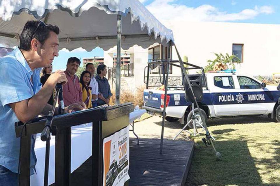 Entrega Consejo de El Tezal patrulla al Municipio y firma convenio de colaboración con Seguridad Pública