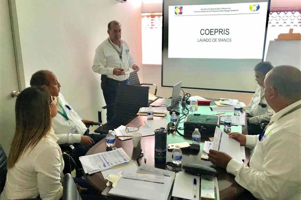 COEPRIS capacita a su personal para reforzar acciones de fomento sanitario