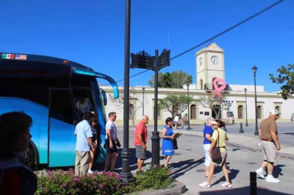 Cerrará Los Cabos con 300 mil pasajeros más que en 2017